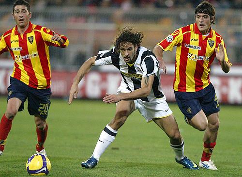 La Juve lo ganó en el final y mantiene la distancia con el Inter de Milán