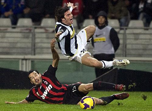 Gianluca Zambrotta se fue expulsado por doble amonestación