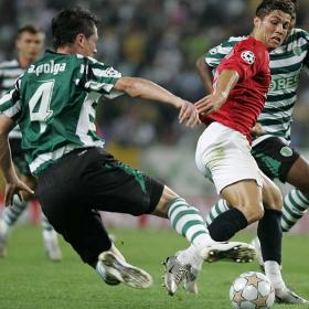 Vistiendo los colores del Manchester United se enfrentó a su antiguo club el Sporting Lisboa