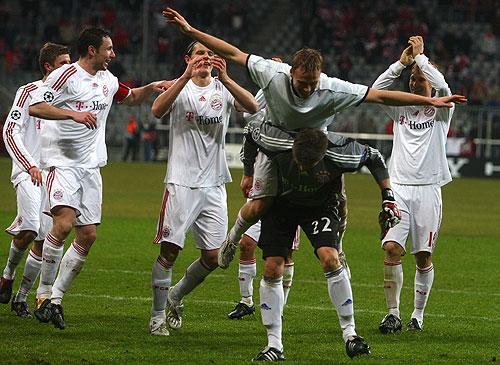 Con dos grandes goleadas el Bayern Munich accedió a los Cuartos de Final de la competencia de una manera muy accesible