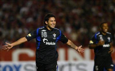 El delantero Argentino, Claudio Bieler, anotó el único tanto del partido